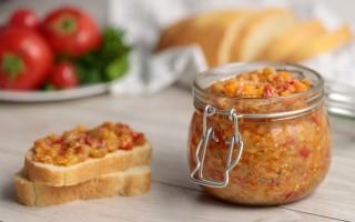 Лучшие рецепты баклажанной икры с помидорами