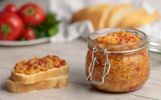 Рецепт баклажановой икры через мясорубку и без на зиму