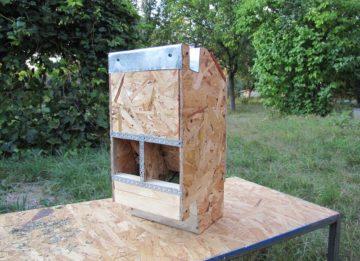 Бункерная кормушка для кроликов своими руками